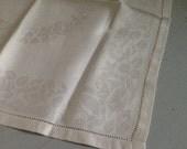 Vintage Linen Napkins / White Napkins / Vintage Napkin Set / Large Dinner Napkins, White Rose Napkins