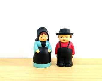 Vintage Pilgrim Figurines / Thanksgiving Decor / Salt Pepper Shakers / Thanksgiving Pilgrims / Amish Couple / Dinner Settings