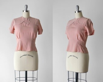 40's pink blouse. medium. 1940 crepe blouse. rayon top. short sleeve. 1940's m blouse. rose. blush.