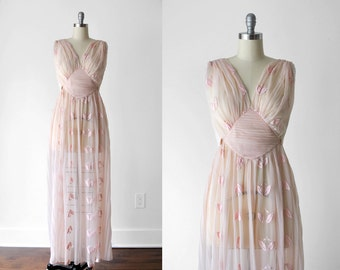 50 pink negligee. 1950's long nightgown. plunging. embroidered. sheer. 50's floral lingerie. s. m.