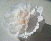 WHITE peony wedding flower hair clip / white flower / wedding flower comb / flower hair comb pin clip / bridal flower comb