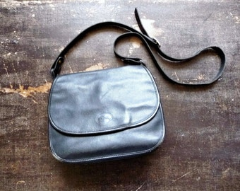 Vintage 80s-90s LONGCHAMP PARIS Leather Grained Navy Blue Shoulder Bag / Handbag Besace Collector French Vintage