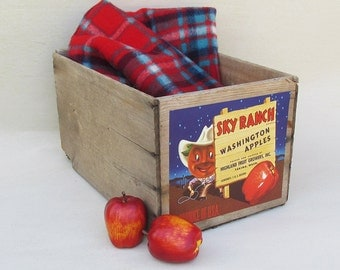 "1940s Sky Ranch Apple Crate ""Nice Graphics"""