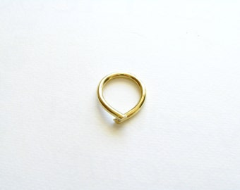 Gold Minimalist Ring-Gift For Her-Gold Chevron Ring-Modern Ring-Simple Ring-Minimalist Brass Jewellery-Minimalist Gold Ring