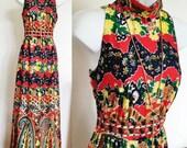 70s maxi dress / pop paisley print / vintage long dress / psychedelia print dress