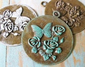 2 pcs Aged Look verdigris patina / White / Anti-bronze Filigree Flower and butterfly Charm/pendant