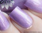 "Nail polish - ""Head over heels"" light purple linear holographic"
