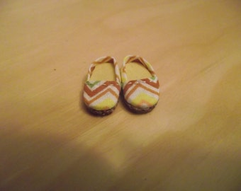 Yellow, brown and green chevron design slip on flats shoes for Pullip / obitsu
