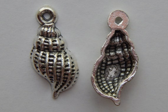 10 Pieces of Metal Jewelry Charms - 19mm Banded Tulip Shell, Seashell, Beach, Drops, Single Sided, Silver Color, Base Metal, Top Loop