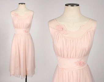 vintage 1960s nighty • pink nylon night gown with rosettes