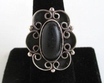 Large Sterling Silver & Black Stone Ring - Vintage Native American / Southwestern, Size 8