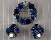 Vintage Blue Rhinestone Circle Wreath Brooch Clip On Earrings Set Blue Aurora Midnight Rhinestone Jewelry Silver Tone Metal 1950s Set