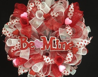 ON SALE - CLEARANCE Be Mine Valentine Wreath, Red White Pink Wretahs, Heart Wreath