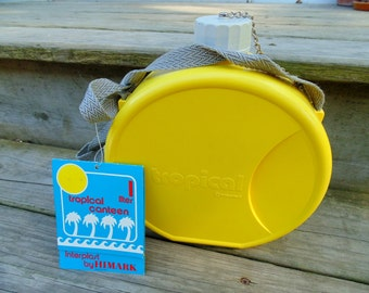 CANTEEN 1970s 1980s retro decor UNUSED Yellow TROPICAL Plastic Beach Canteen Made in Italy