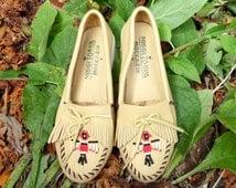 Vintage Tan Thunderbird Minnetonka Moccasins Slip On Flats Womens 6.5
