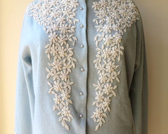 Vintage 1950's/Blue Beaded Cardigan Sweater/50's Beaded Cardigan/Light Blue Beaded Cardigan Sweater/Pastel Blue Beaded Cardigan/Large