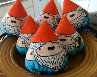Gnome Gnubs: adorable and soft woodland plushie