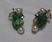 Vintage chunky malachite faux pearl rhinestone flower clip earrings