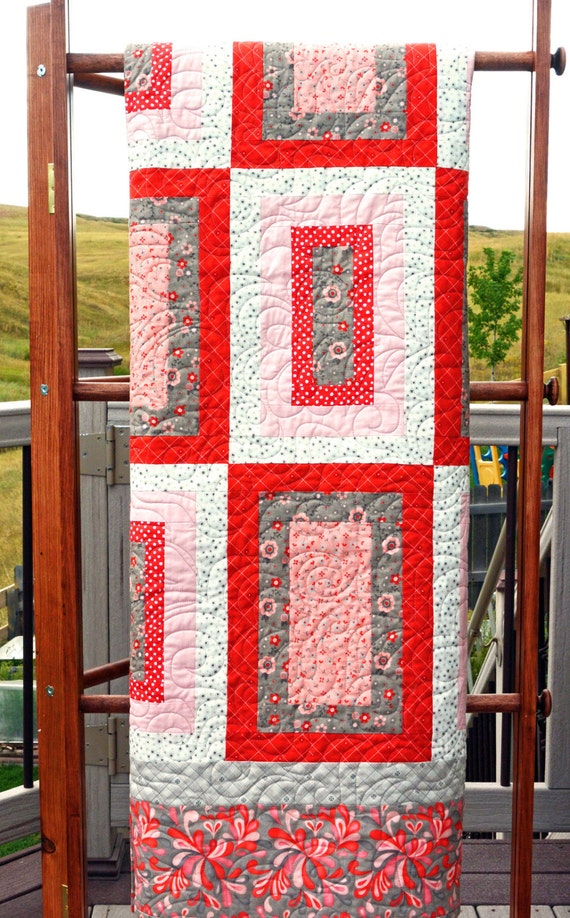 Contemporary quilts beautiful modern quilts contemporary home for Modern house quilts
