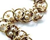 Vintage Goldette NY Faux Pearl Goldfilled Bracelet Circle O Link circa 1960s