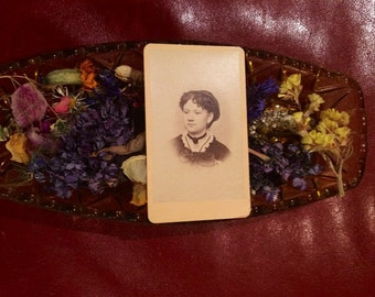 CDV Photo - Girl with Jet Neckace and Earrings - Carte de Visite - 1800's