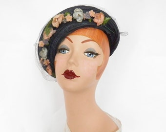 Vintage 1930s tilt hat, navy blue with flowers, veil. Julian