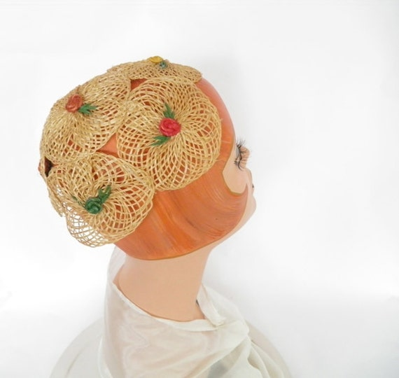 Vintage calotte cap, straw hat with flowers