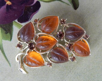 LISNER Fall Tone Molded Thermoset Frosted Lucite Leaf Brooch    NBU12