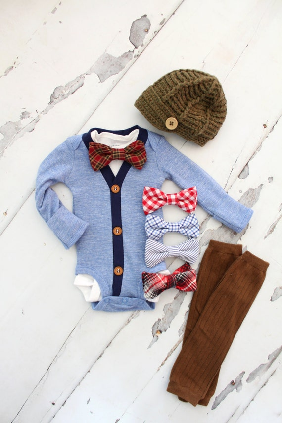 Baby Boy Coming Home Outfit, Baby Boy Clothing Set, Monogrammed Gown and Hat Set, Baby Shower Gifts for Boy, Navy Blue Baby Gown and Hat This soft navy hat and gown set with fold over mittens would be perfect for you to bring baby home in. This classic style is a favorite at baby.