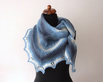 blue white scarf, triangular, handknitted, warm and cozy