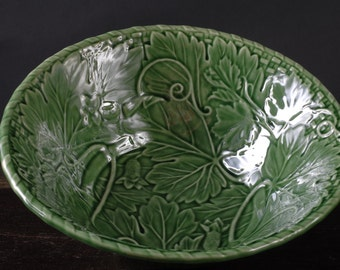 Bordallo Pinheiro, Green Vine Serving Bowl, Portugal