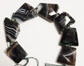 2 pcs  agate  slice beads, black and green , freeform