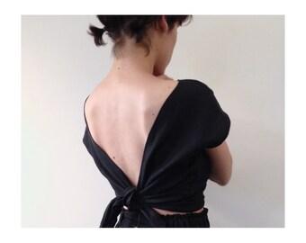 Linen single wrap top in Black or Pale Beige. Reversible tie wrap top