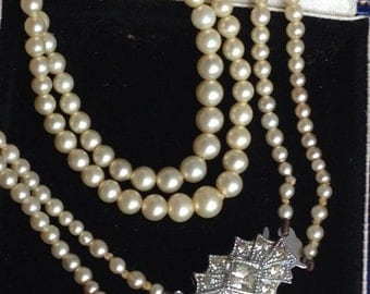 Stunning Art Deco Faux Seed Pearl Crystal Clasp Necklace