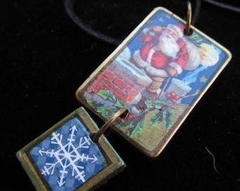 Santa going down the Chimney Game tile Necklace Pendant Z 96