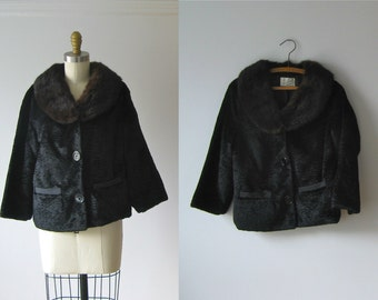 SALE vintage fur collar coat / vintage 1960s coat