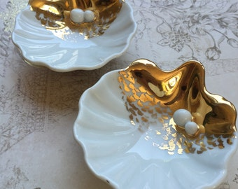 Vintage White Porcelain Gold Oyster with Pearls Small Dish by Goodfriend Spain, Shell Butter Pat Dish, Petite Shell Serving Dish