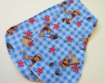 Contoured Burp Rag: Raggedy Andy on Blue Gingham flannel