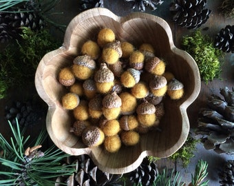 Felted wool acorns, Saffron Yellow, set of 50, yellow felt acorn, bowl filler, autumn wedding decor, acorn wedding favor, thanksgiving decor