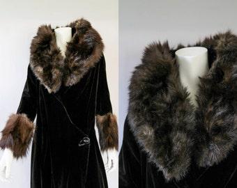 Vintage 1920s Coat - 20s Flapper Cocoon Coat - Black Velvet Fur Collar and Trim