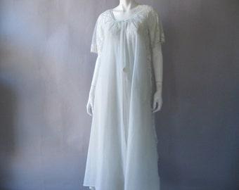 Vintage 1970's Peignoir Set- Pale Blue Lace Lingerie - Bridal Trousseau - M