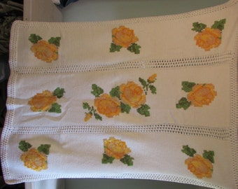 Vintage Yellow Rose Crocheted Afghan, Lap Blanket, Throw Blanket