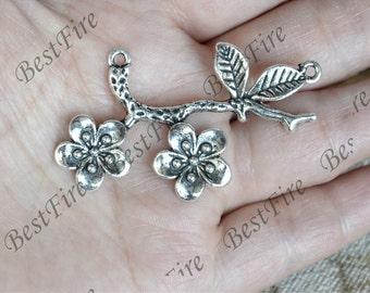 6 pcs  Flower Charm Connectors Antique Silver Tone,Charms Fingdings pendant,jewelry pendant finding