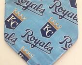 KC Royals Fan - Bandana Style Bib - Reversible, Baby Toddler Bib, Cotton Fabric, Bibdanas, Team Shop, MLB baseball, kansas city royals