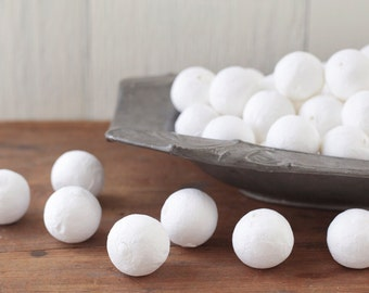 BULK Spun Cotton Balls, 25mm - Vintage-Style Craft Shapes, 100 Pcs.