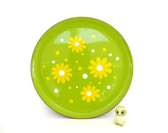 Vintage Round Serving Tray Melimine Melmac 1970s Shelf Home Decor Takahashi San Francisco Green Yellow Hippie Boho Mod Flower Power Daisy