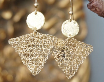 Lace triangle goldfilled on gold coins