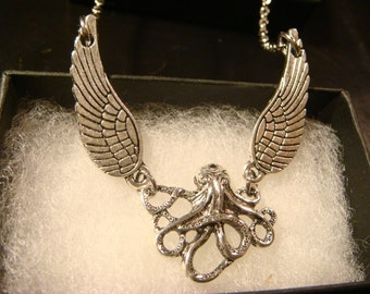 Flying Octopus - Kraken Cthulhu  with Wings Necklace (2192)