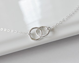 Circle Necklace STERLING SILVER, Interlocking Rings Necklace, Mothers Necklace, Couples Jewelry, Infinity Necklace, Bridesmaid Gift Idea