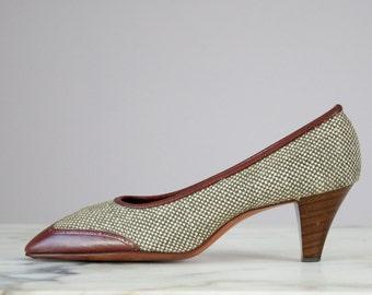 60s Vintage JOHN ROMAIN Olive Tweed Brown Leather Heels (8 AA, 7 1/2 Narrow)